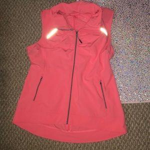 Tangerine vest with zippered hood 🖤